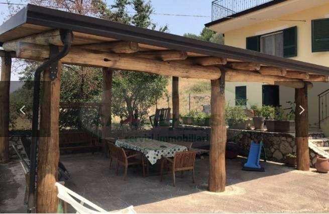 Villa in vendita a Sant'Agata De' Goti, 4 locali, prezzo € 210.000 | CambioCasa.it