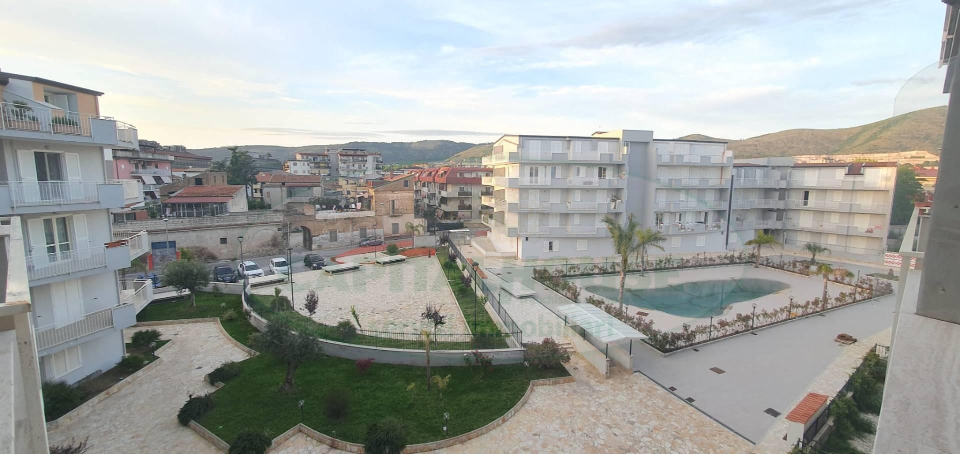 Appartamento in vendita a Caserta, 2 locali, zona Località: Lincoln, prezzo € 140.000 | CambioCasa.it