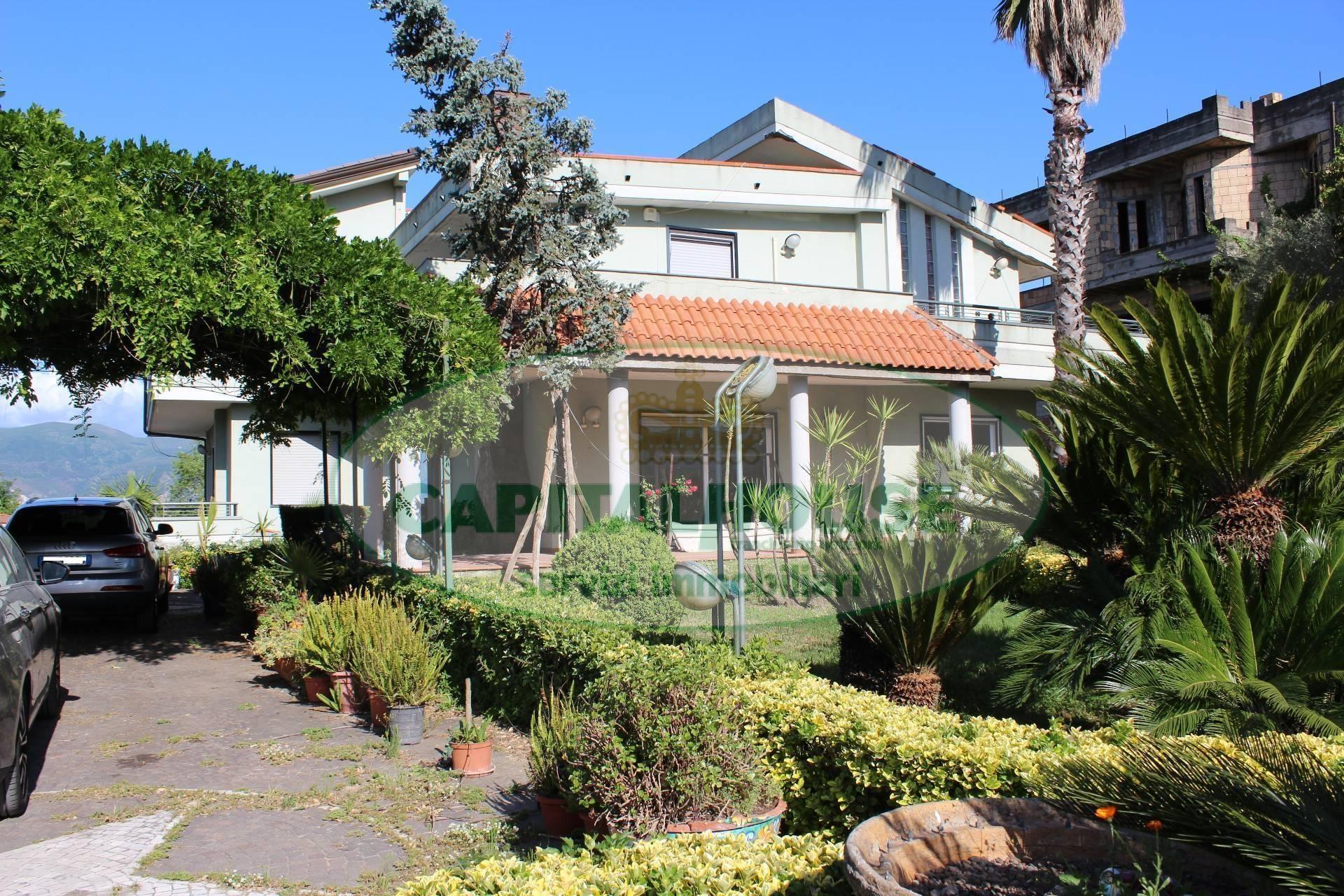 Villa in affitto a Ottaviano, 6 locali, Trattative riservate | CambioCasa.it