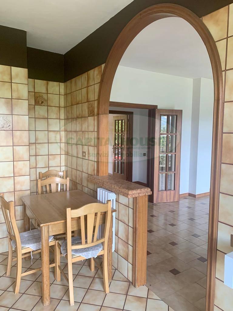 Soluzione Indipendente in vendita a Avellino, 5 locali, zona Località: BellizziIrpino, prezzo € 145.000 | CambioCasa.it