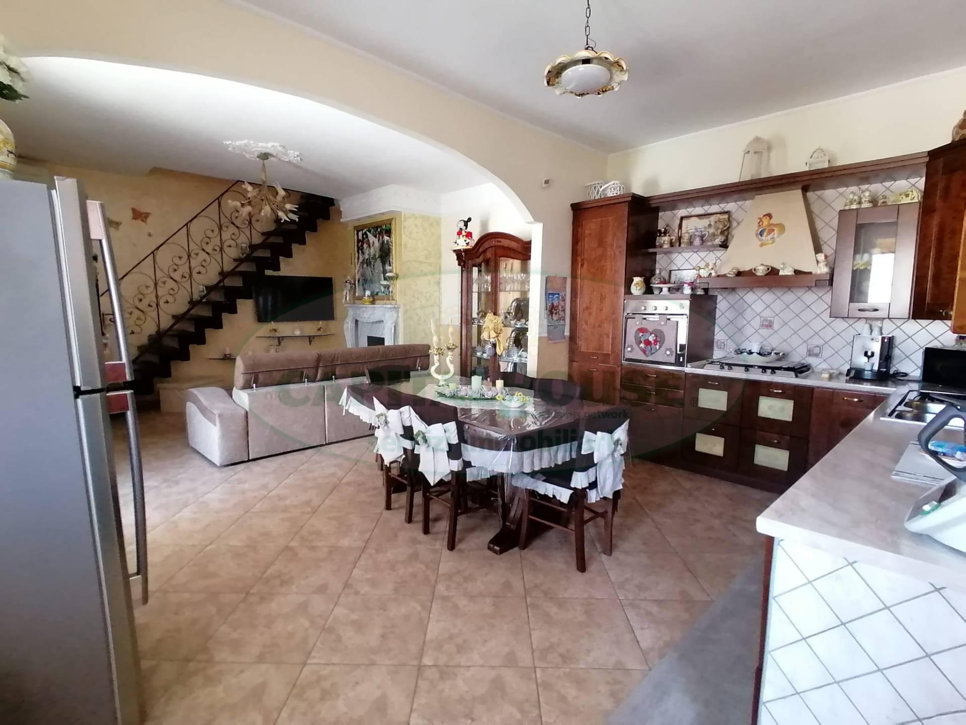 Appartamento in vendita a Cicciano, 5 locali, prezzo € 170.000 | CambioCasa.it