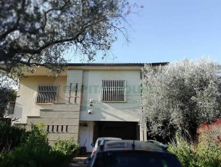 VILLA in Vendita a San Leucio, Caserta (CASERTA)