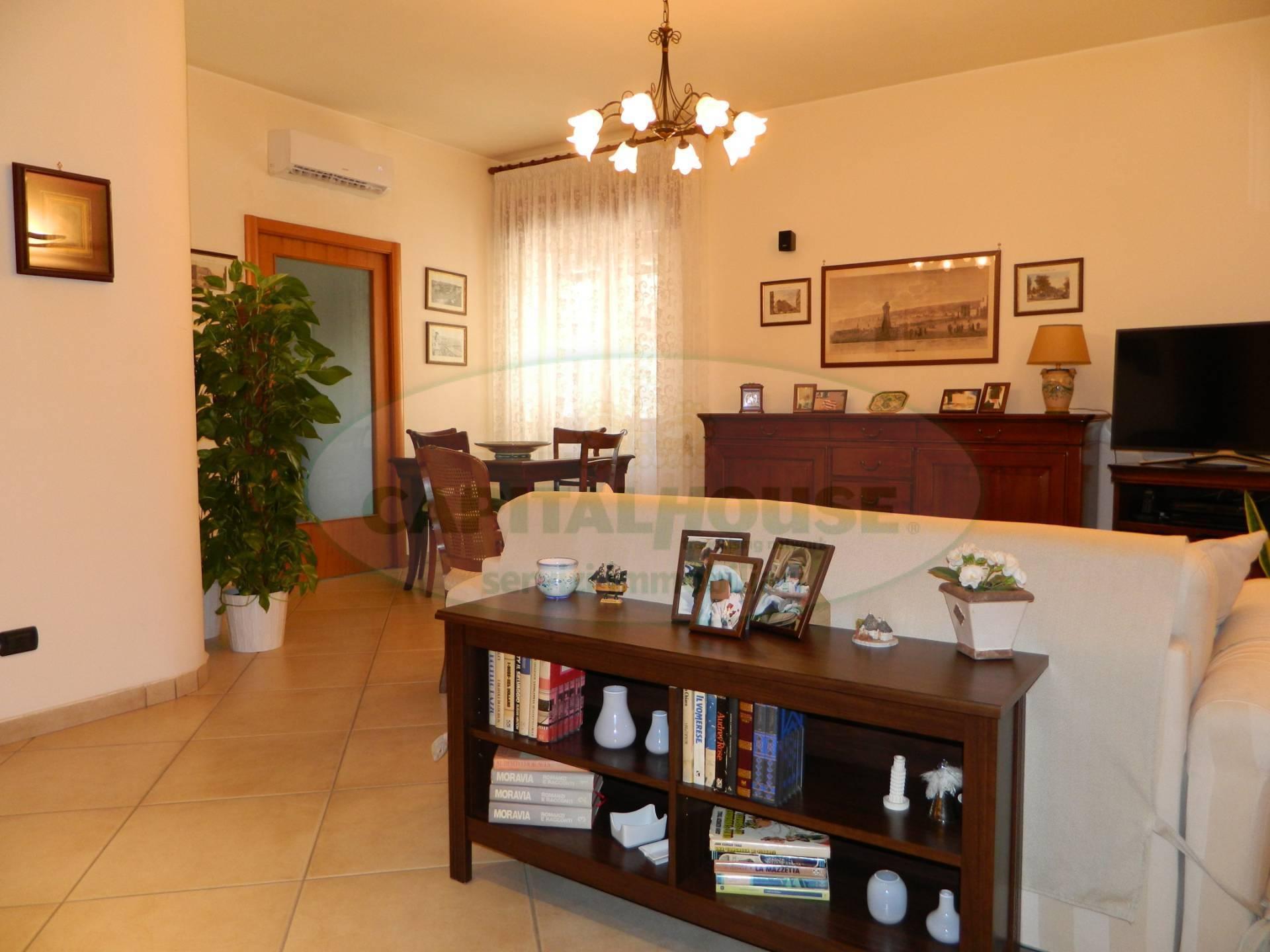 Appartamento in vendita a Afragola, 3 locali, zona Località: ZonaAmendola, prezzo € 200.000 | CambioCasa.it