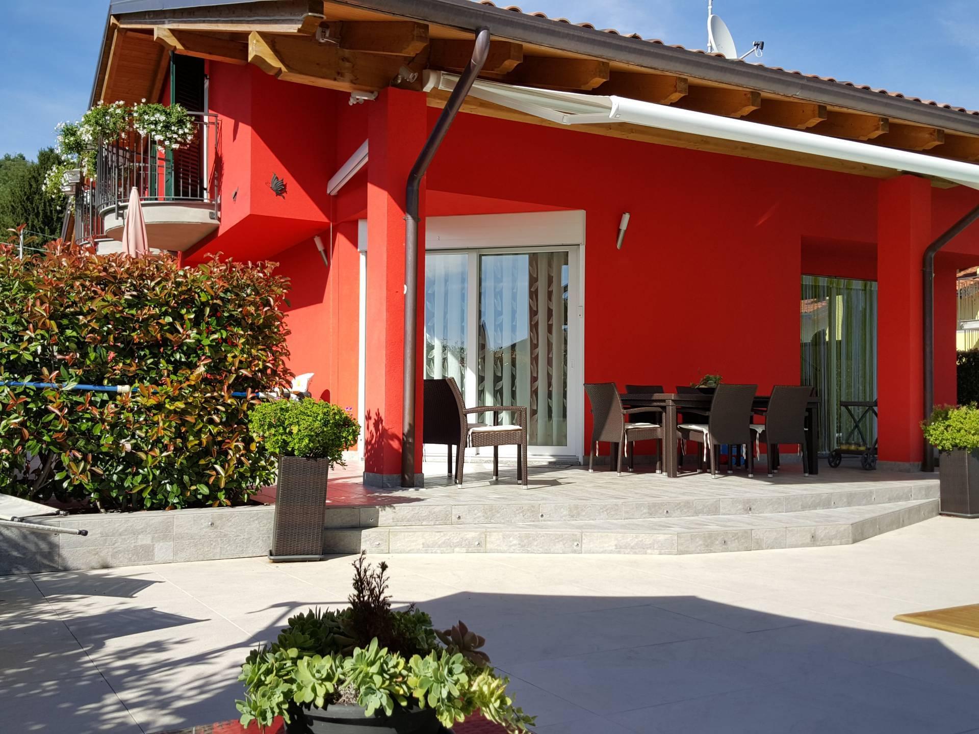 Villa in vendita a Uggiate-Trevano, 5 locali, prezzo € 620.000 | PortaleAgenzieImmobiliari.it