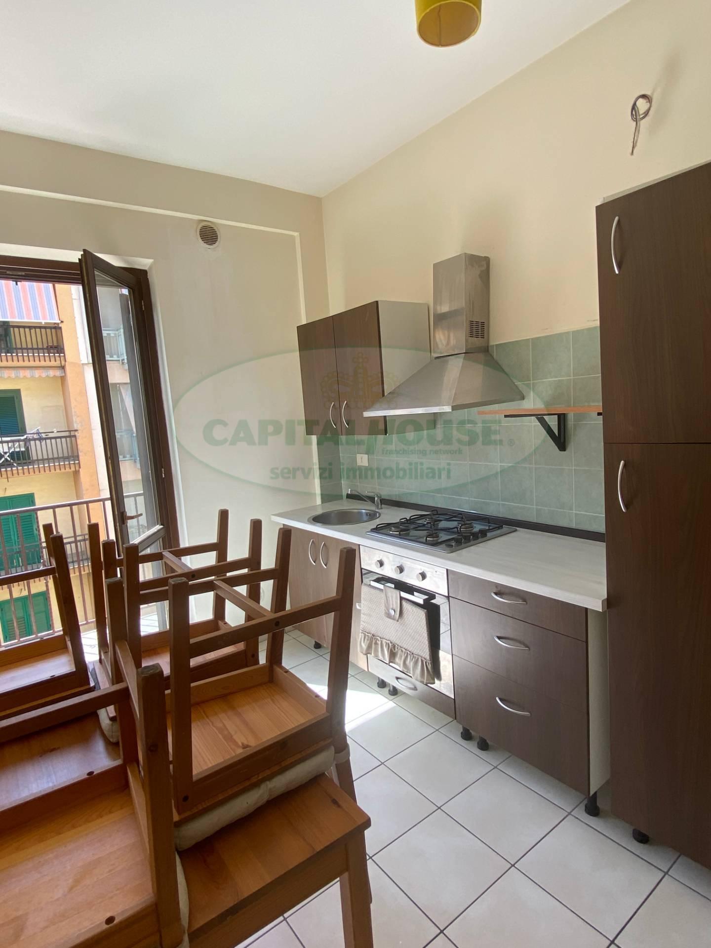 Appartamento in affitto a Avellino, 70 locali, prezzo € 400 | CambioCasa.it