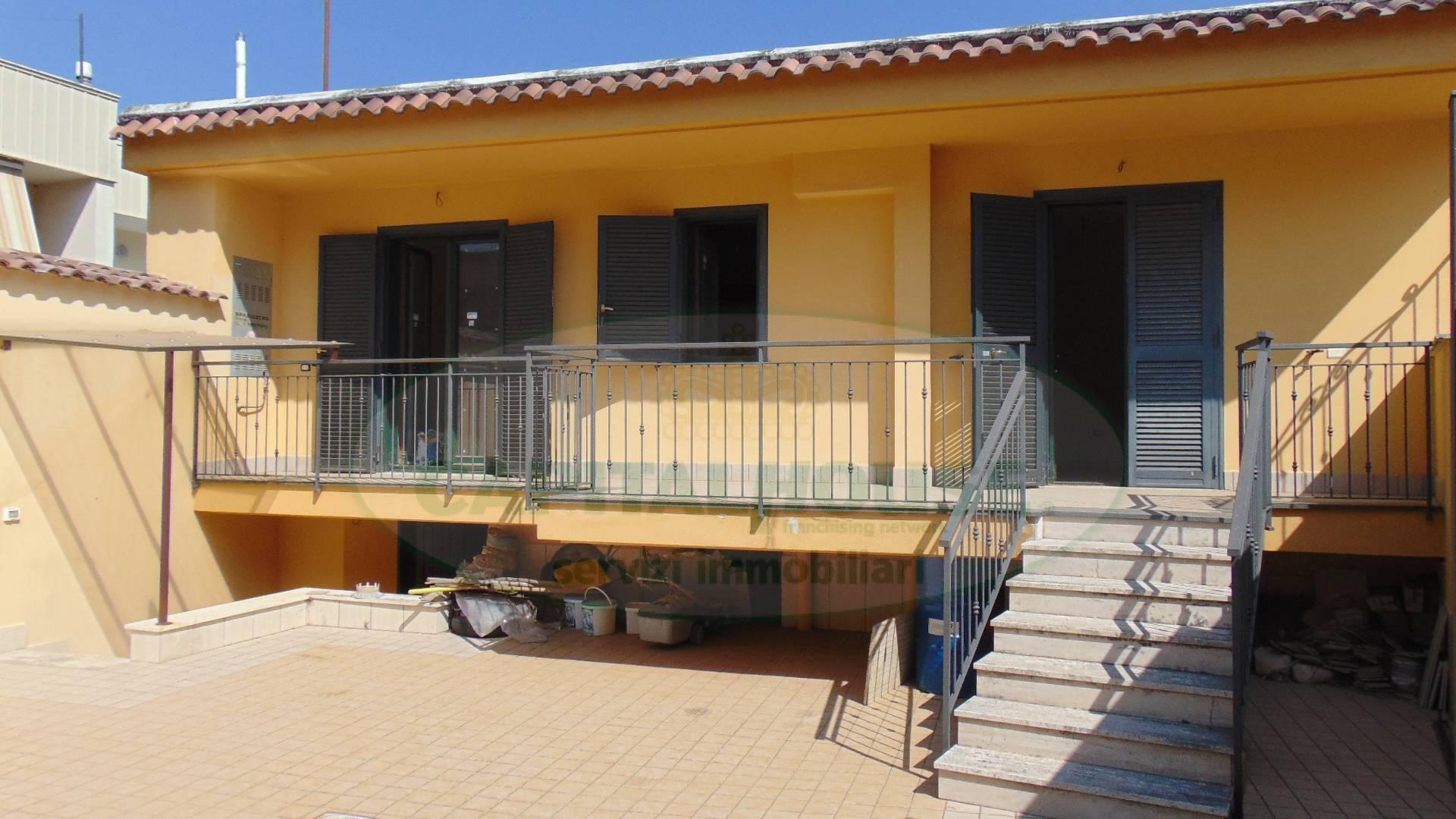 Soluzione Indipendente in vendita a Sirignano, 3 locali, prezzo € 85.000 | CambioCasa.it