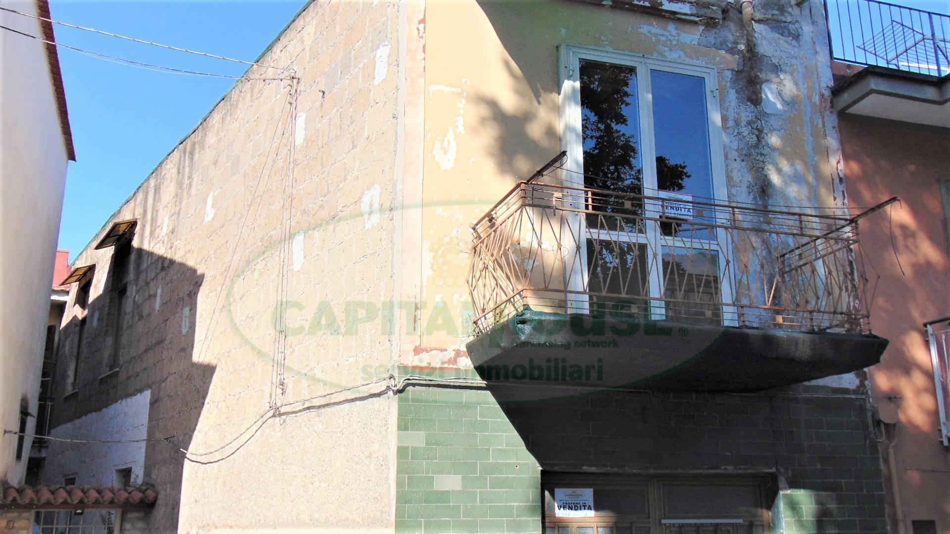 Soluzione Indipendente in vendita a Sirignano, 4 locali, prezzo € 55.000 | CambioCasa.it