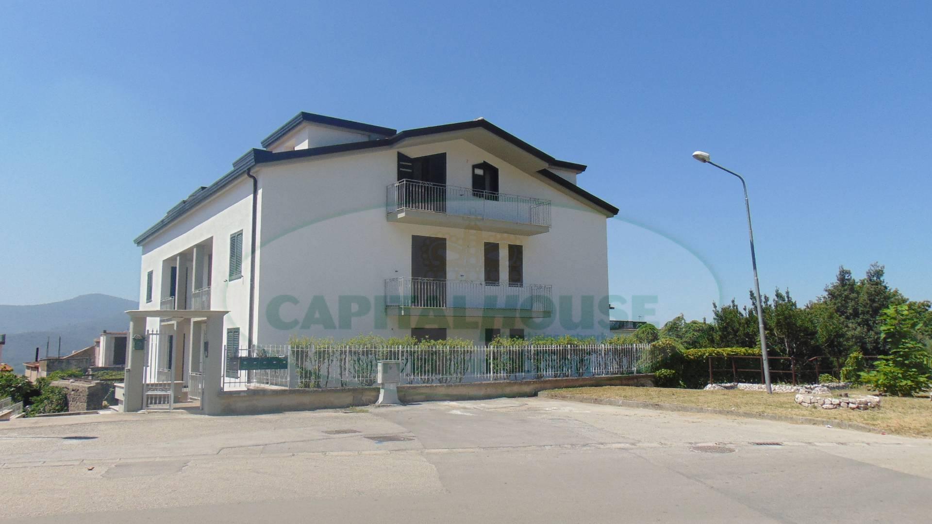 Appartamento in vendita a Quadrelle, 4 locali, prezzo € 120.000   CambioCasa.it