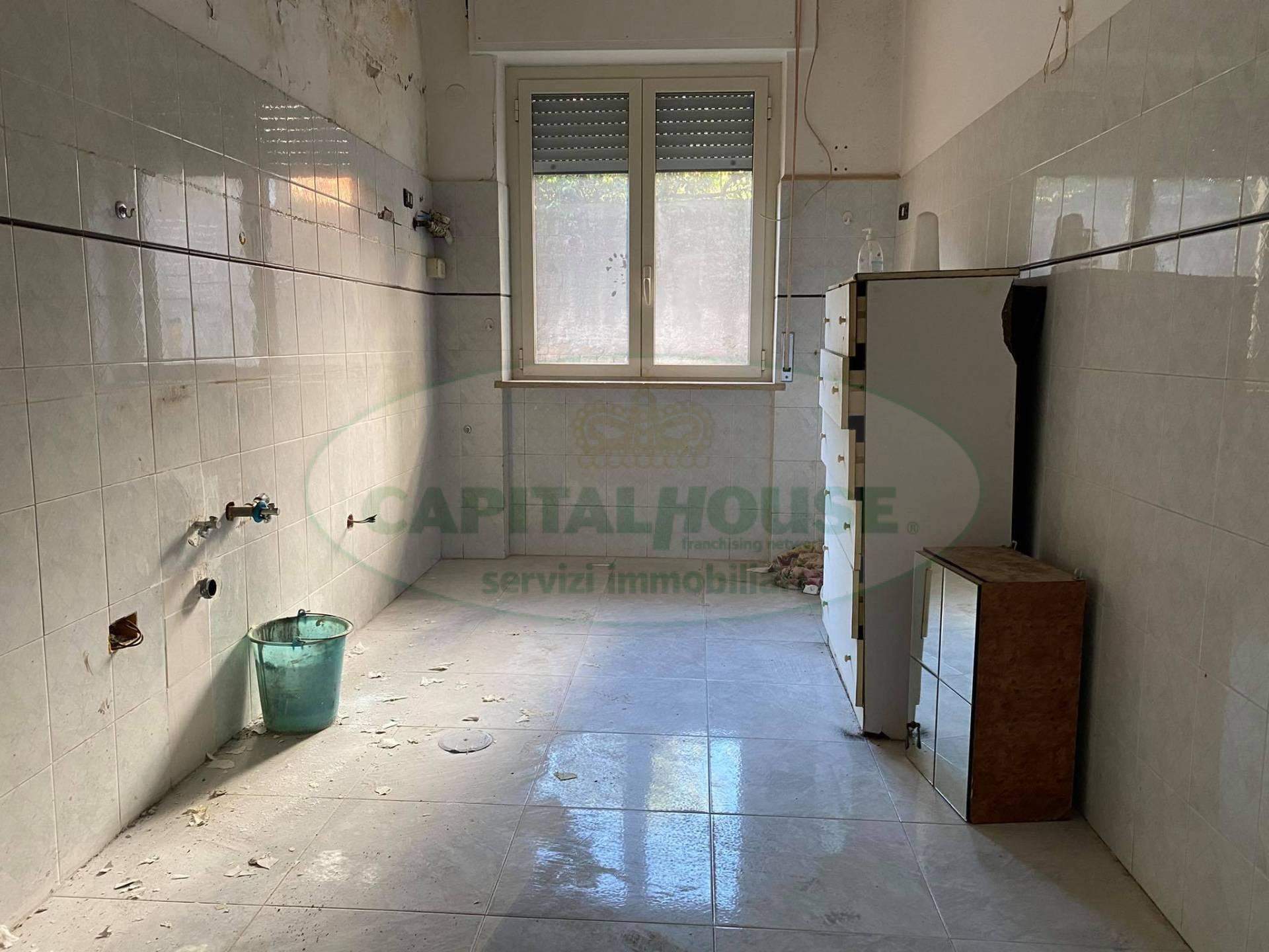 Appartamento in affitto a Afragola, 3 locali, zona Località: ZonaAmendola, prezzo € 360 | CambioCasa.it