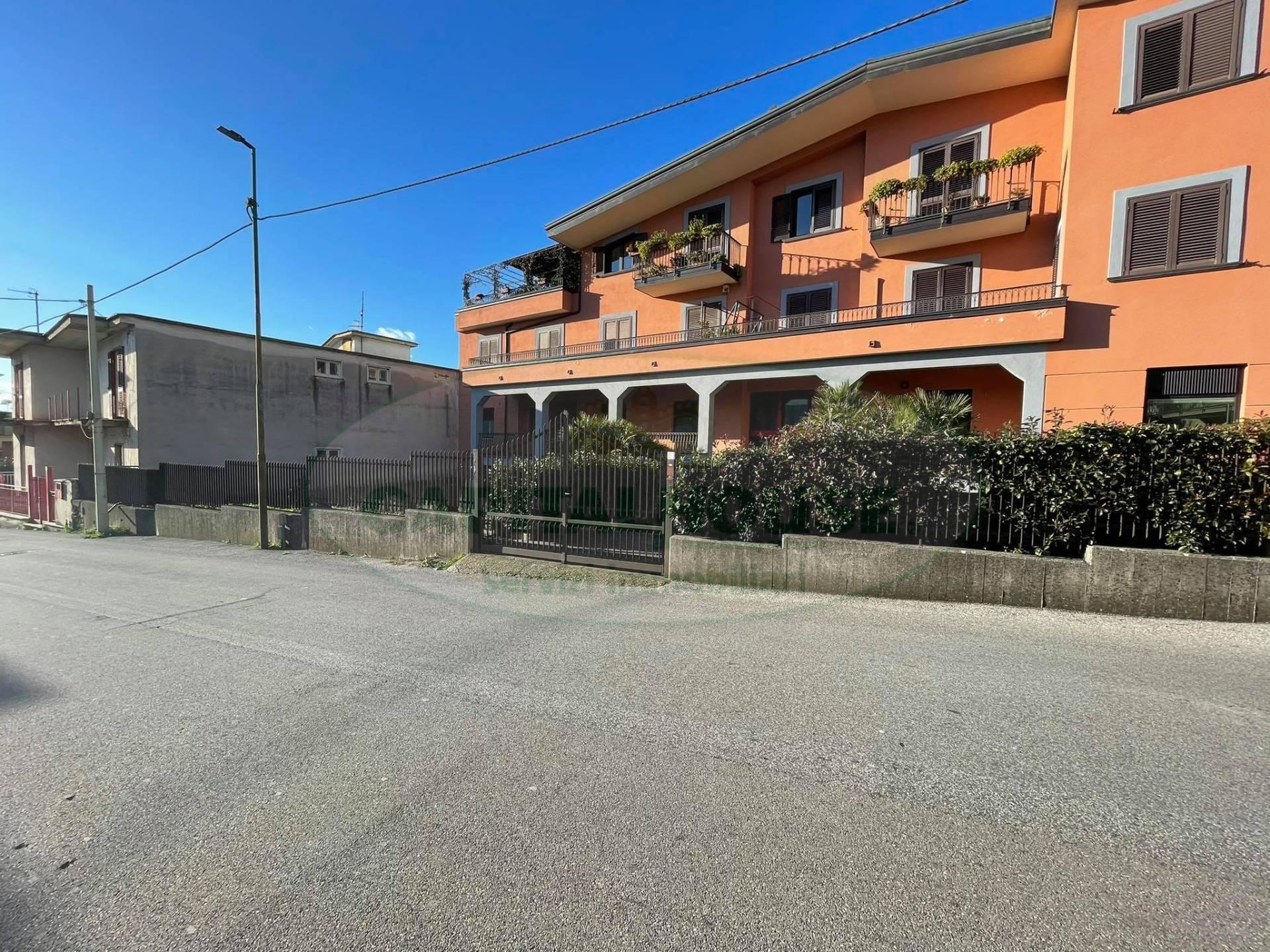 Negozio / Locale in affitto a Avella, 9999 locali, prezzo € 850   CambioCasa.it