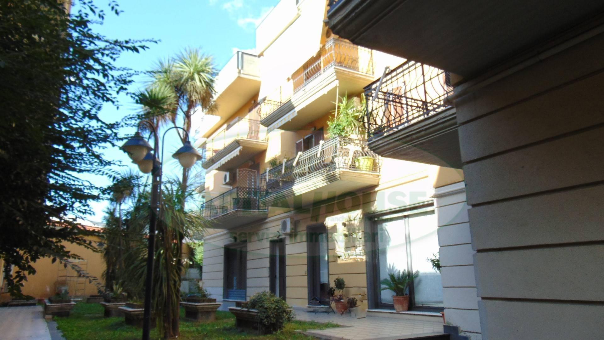 Negozio / Locale in vendita a Sirignano, 9999 locali, prezzo € 100.000 | CambioCasa.it