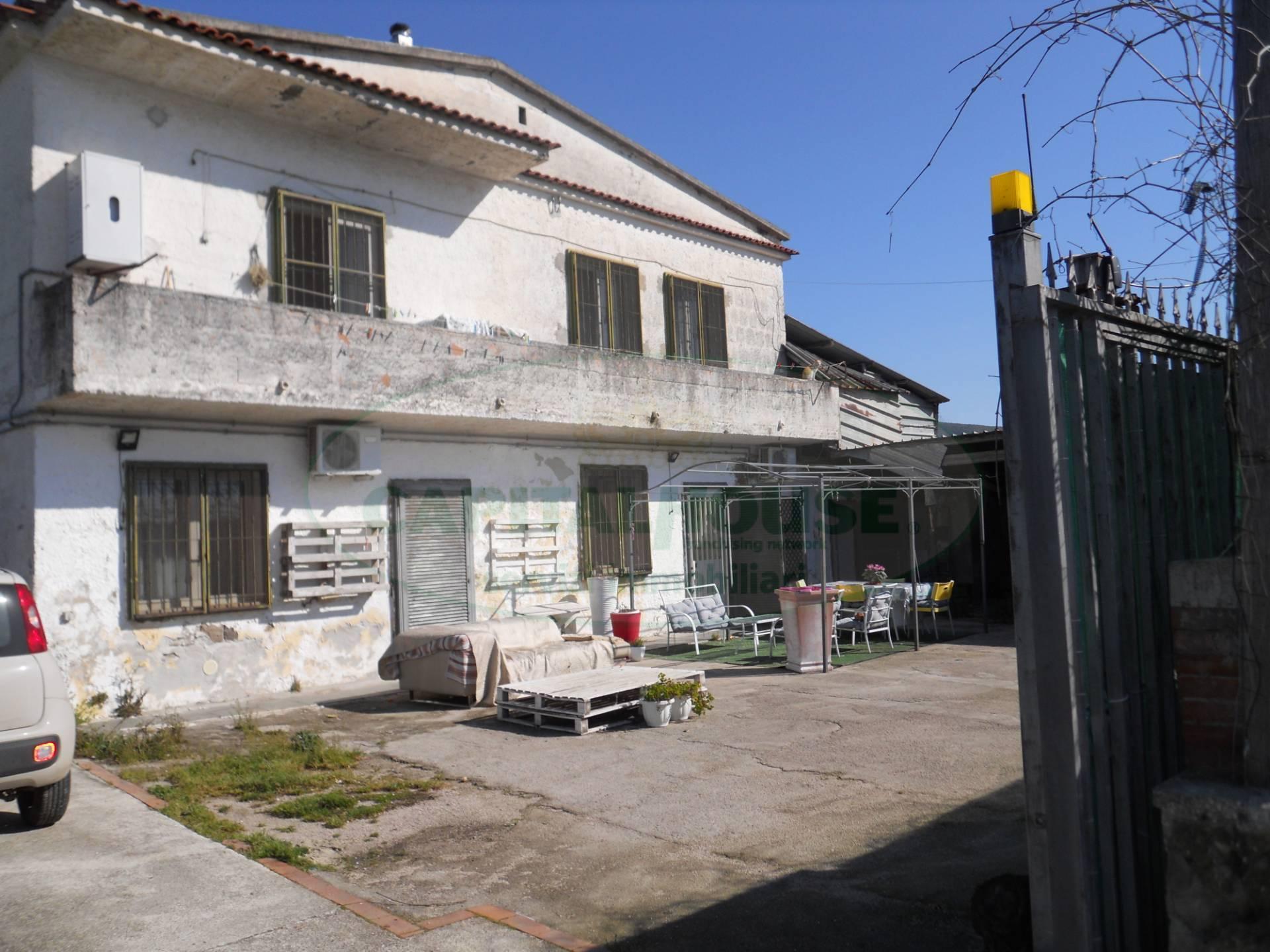 Rustico in vendita a Bellona (CE)