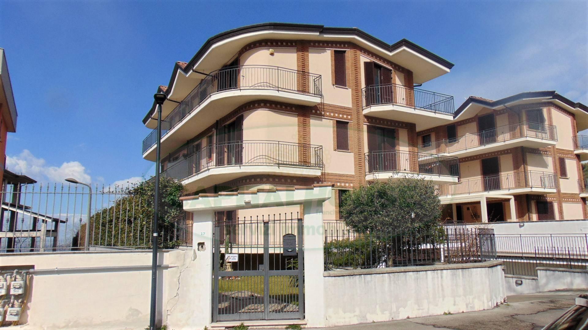 Appartamento in vendita a Sirignano, 4 locali, prezzo € 198.000 | CambioCasa.it