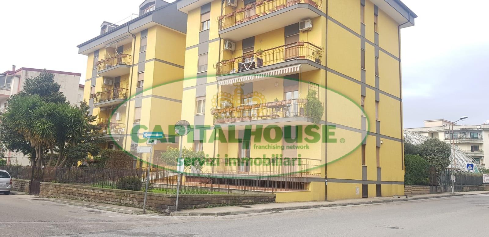 Appartamento in affitto a Caserta, 3 locali, zona Località: Lincoln, prezzo € 400 | CambioCasa.it