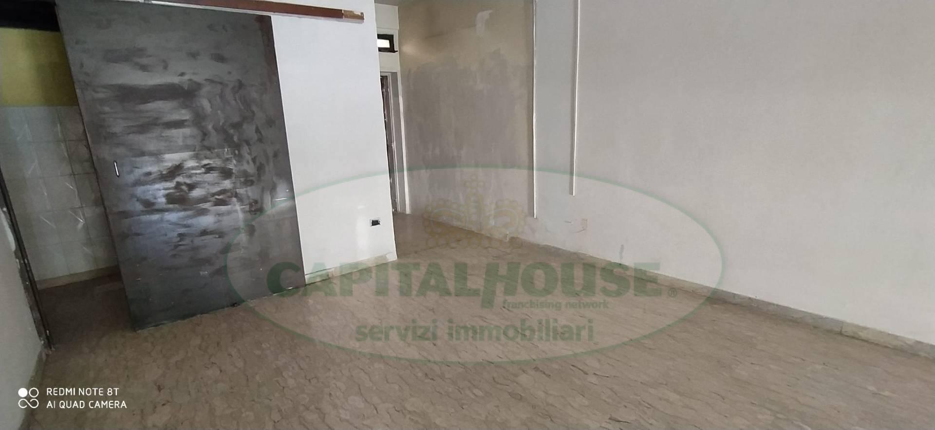 Fondo commerciale in affitto a Centurano, Caserta (CE)