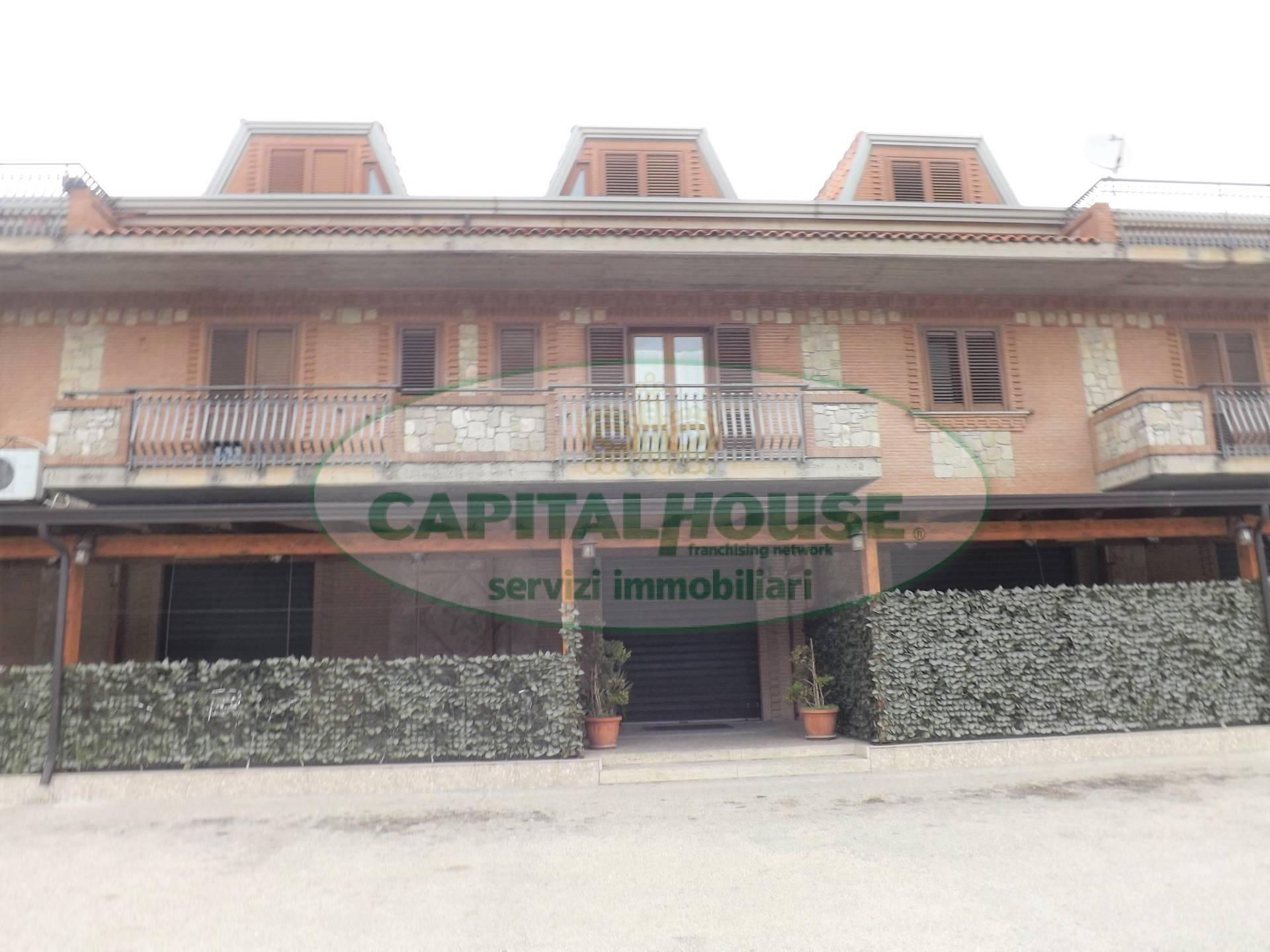 Appartamento in affitto a Serino, 11 locali, prezzo € 1.200 | CambioCasa.it