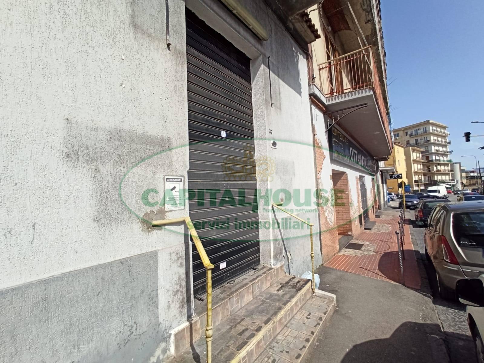 Negozio / Locale in affitto a Ottaviano, 9999 locali, prezzo € 600 | CambioCasa.it