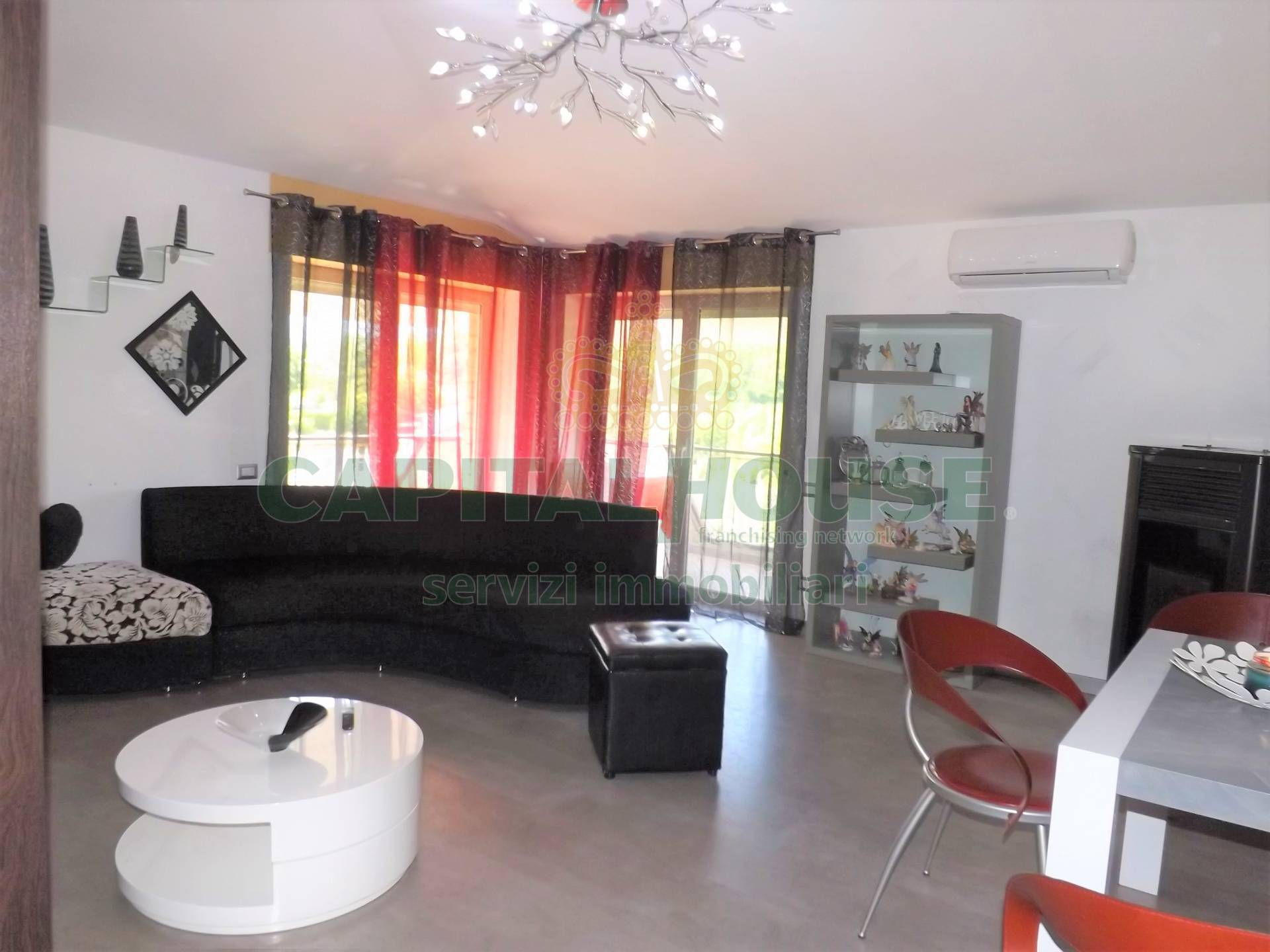 Appartamento in vendita a Atripalda, 4 locali, prezzo € 121.000 | CambioCasa.it