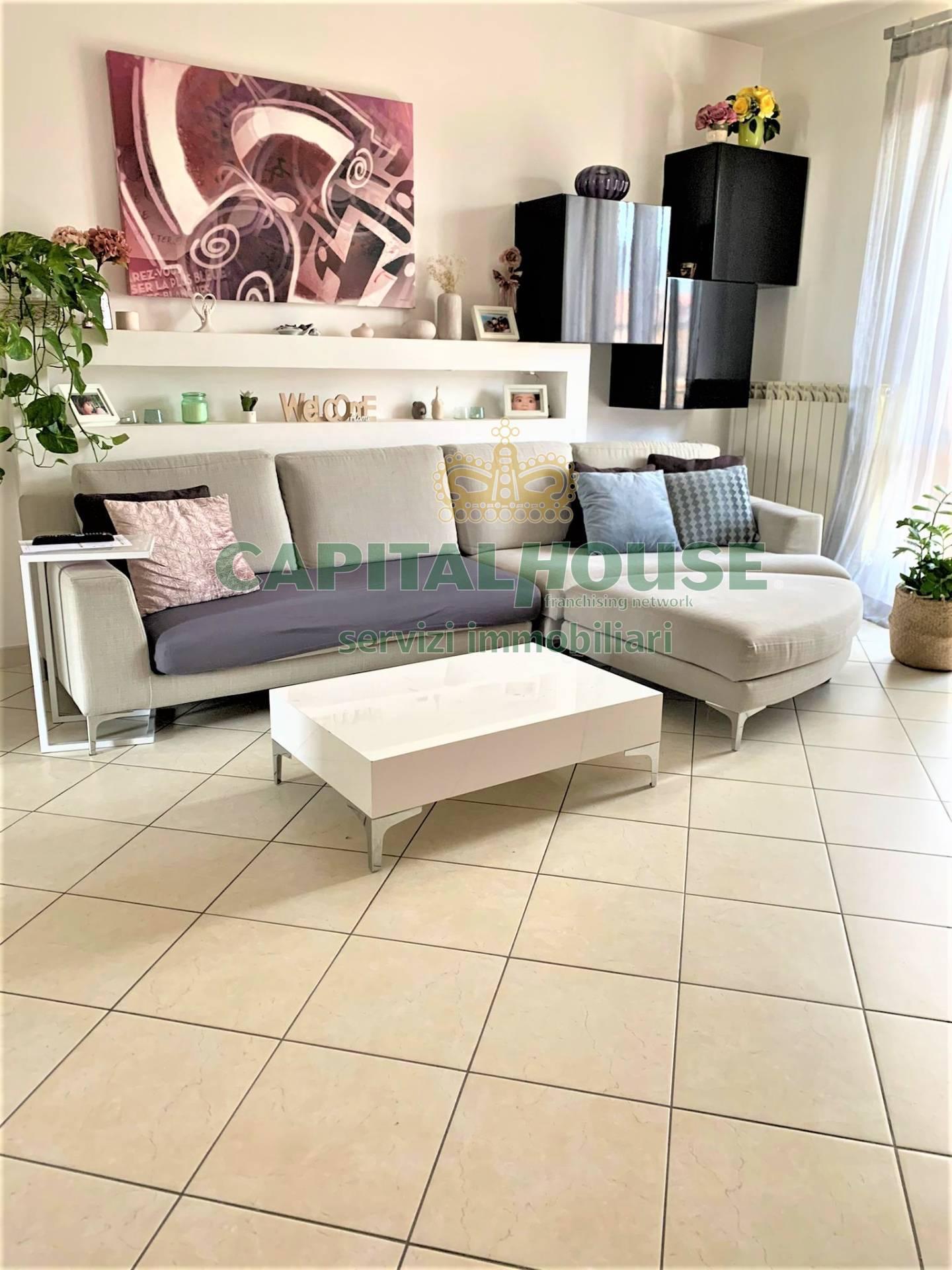 Appartamento in vendita a Sirignano, 4 locali, prezzo € 135.000 | CambioCasa.it
