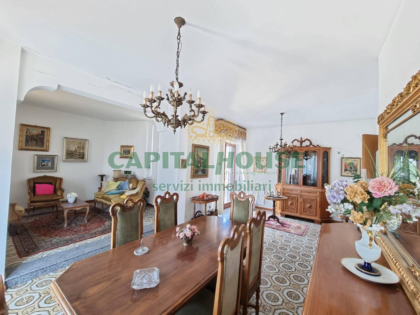 Appartamento in vendita a Caserta, 5 locali, zona Località: Lincoln, prezzo € 210.000 | PortaleAgenzieImmobiliari.it