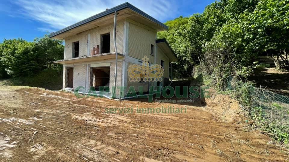 Villa in vendita a Atripalda, 4 locali, prezzo € 140.000 | CambioCasa.it