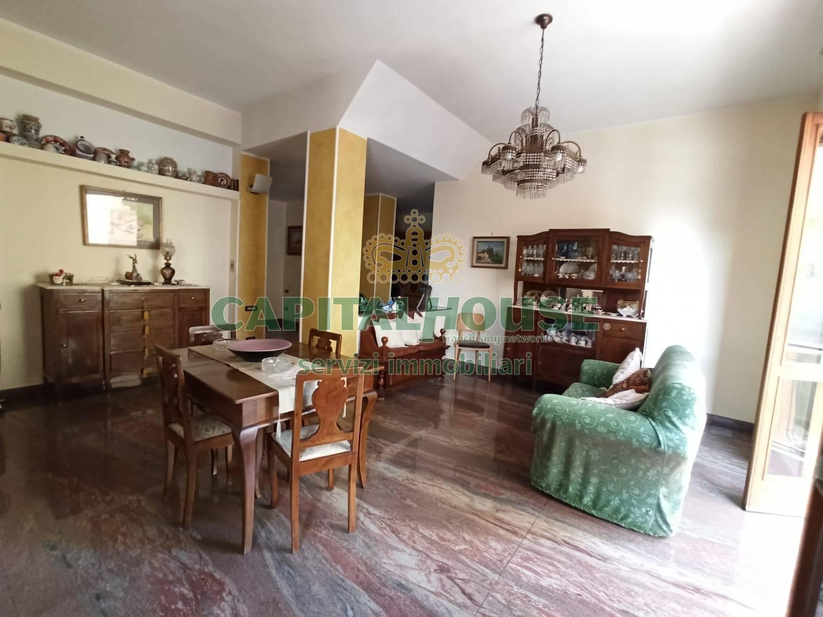 Soluzione Indipendente in vendita a Ottaviano, 10 locali, prezzo € 599.000 | CambioCasa.it
