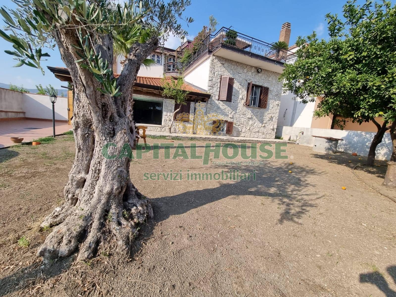 Villa a Schiera in affitto a Comiziano, 3 locali, prezzo € 700   CambioCasa.it