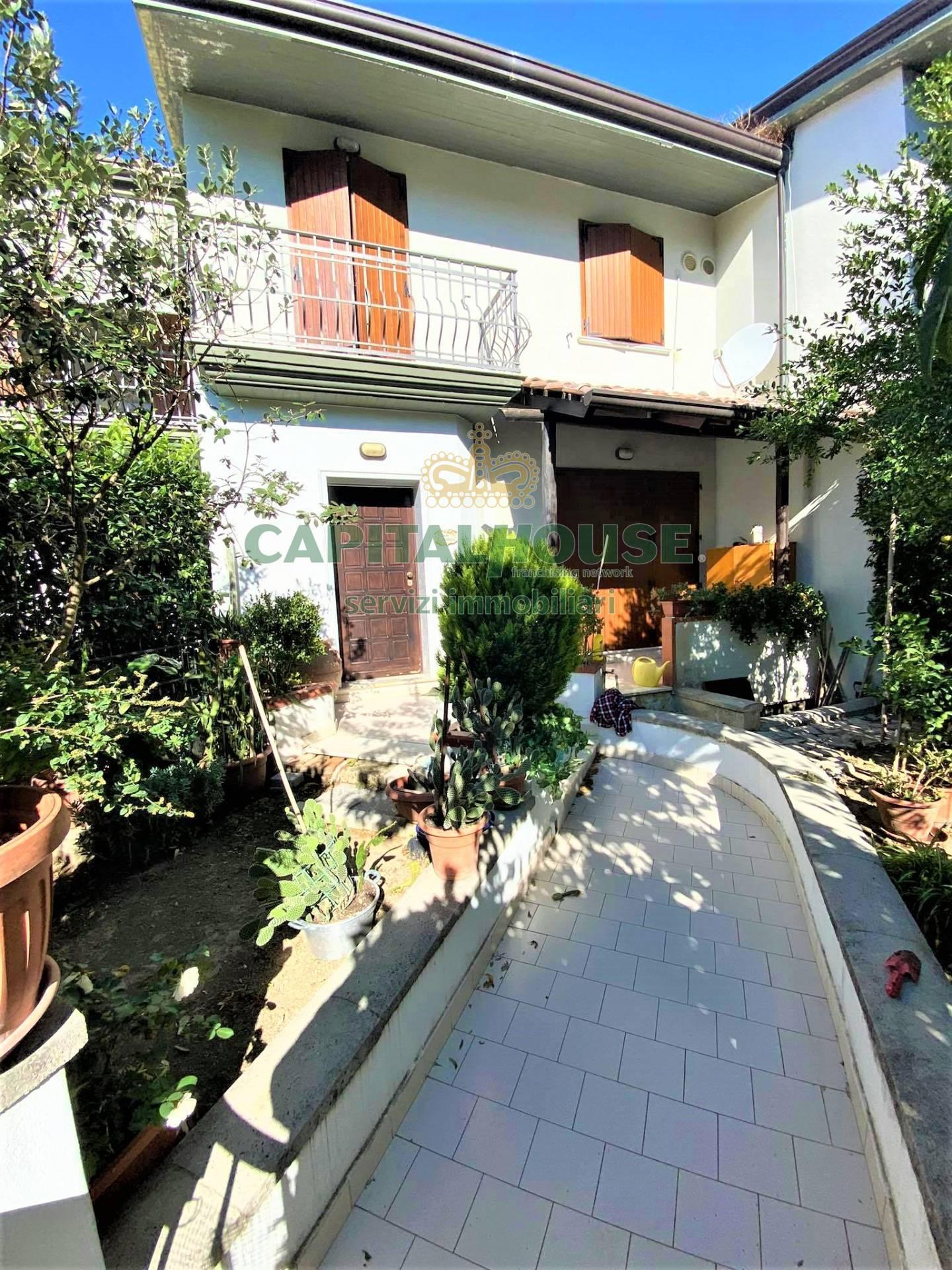 Villa a Schiera in vendita a Quadrelle, 5 locali, prezzo € 229.000   CambioCasa.it