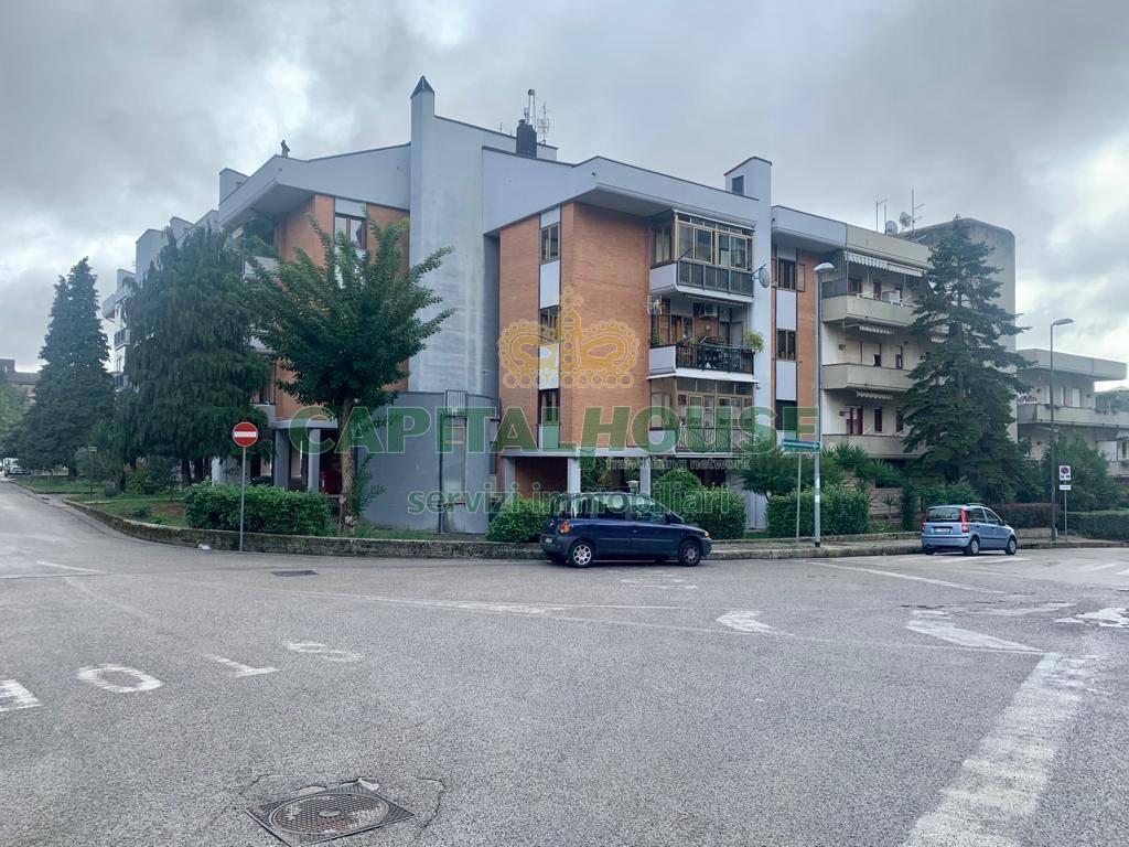 Appartamento in vendita a Avellino, 4 locali, zona Zona: Centro, prezzo € 175.000 | CambioCasa.it