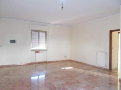 Vai alla scheda: Appartamento Affitto - Santa Maria Capua Vetere (CE) | Zona Corso - Rif. 400DEL
