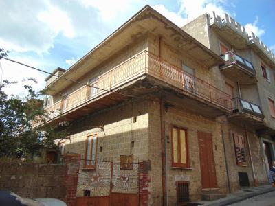 Vai alla scheda: Casa Semindipendente Vendita - Mugnano del Cardinale (AV) - Rif. 8284