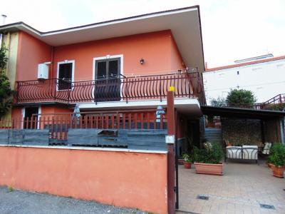 Vai alla scheda: Villa singola Affitto - Avella (AV) - Rif. 8353