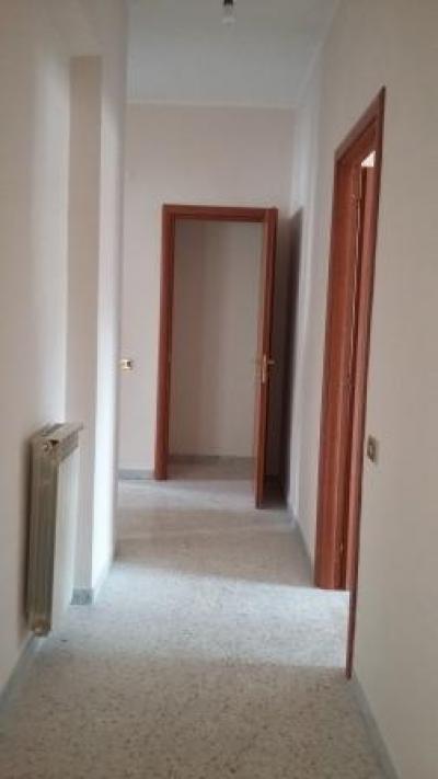 Vai alla scheda: Appartamento Affitto - Santa Maria Capua Vetere (CE) | Zona Corso - Rif. 350VL