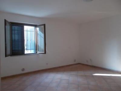 Vai alla scheda: Ufficio Affitto - San Tammaro (CE) - Rif. 350UF