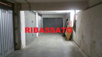 Vai alla scheda: Box / Posto auto Vendita - Casoria (NA) - Rif. 7941