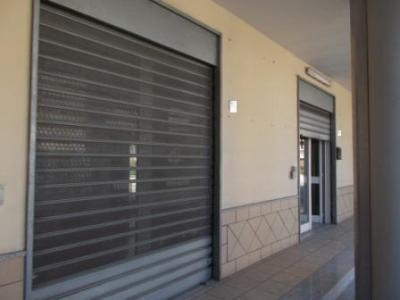 Vai alla scheda: Locale Commerciale Affitto - San Prisco (CE) | Zona Centrale - Rif. 450VV