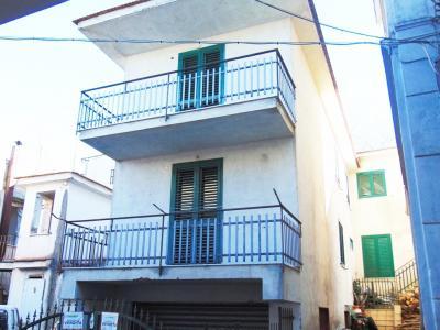 Vai alla scheda: Casa indipendente Vendita - Sirignano (AV) - Rif. 8388