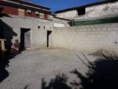 Vai alla scheda: Casa indipendente Vendita - Macerata Campania (CE) - Rif. 137 PORTICO