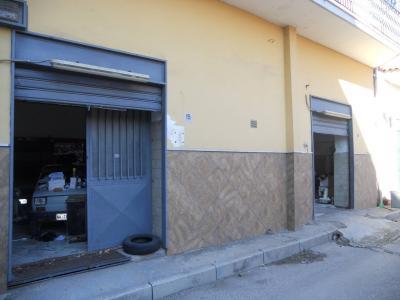 Vai alla scheda: Attività Commerciale Affitto - Casoria (NA) | Padula - Calvanese - Rif. 8027