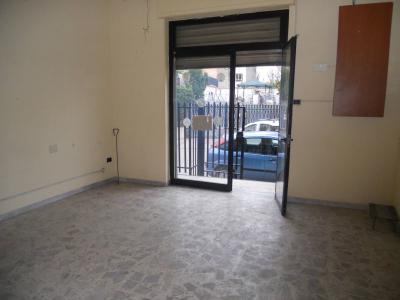Vai alla scheda: Locale Commerciale Affitto - Casoria (NA) - Rif. 8028
