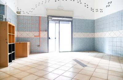Vai alla scheda: Locale Commerciale Affitto - Nola (NA) - Rif. 8144