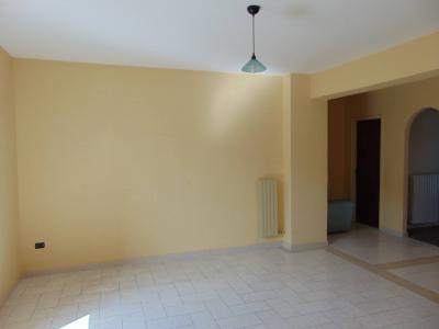 Vai alla scheda: Appartamento Affitto - Santa Maria Capua Vetere (CE) | Zona DC - Rif. 400CR