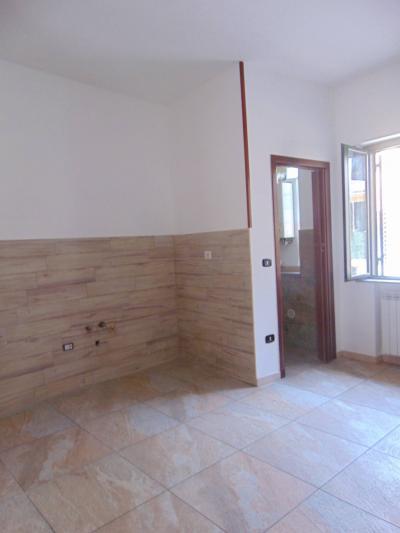 Vai alla scheda: Appartamento Affitto - Santa Maria Capua Vetere (CE) | Zona Anfiteatro - Rif. 88Z