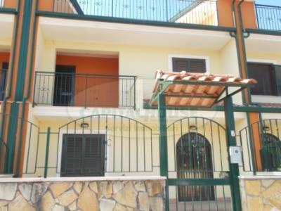 Vai alla scheda: Villa a schiera Affitto - San Tammaro (CE) - Rif. CAP 133/A3