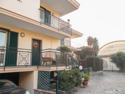 Vai alla scheda: Villa a schiera Vendita - San Prisco (CE) | Zona Centrale - Rif. 186sp