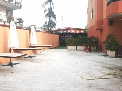 Vai alla scheda: Locale Commerciale Affitto - Casoria (NA) | Sannitica - Indipendenza - Rif. V8190