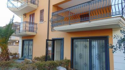 Vai alla scheda: Locale Commerciale Affitto - Sirignano (AV) - Rif. 8709