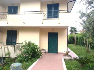 Vai alla scheda: Villa a schiera Vendita - Pastorano (CE) - Rif. 139Pastorano