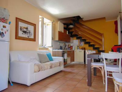 Vai alla scheda: Casa Semindipendente Vendita - San Prisco (CE) | Zona Centrale - Rif. 63.TRIPLEX