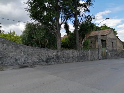 Vai alla scheda: Rustico / Casale / Corte Affitto - Ottaviano (NA) - Rif. 1234